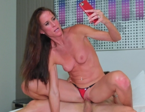 SofieMarieXXX/Cuckold by Phone Czech Escort